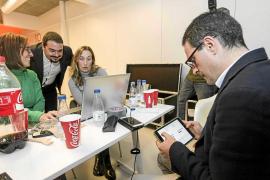 PP y PSOE hacen autocrítica frente a la «enorme satisfacción» de Podemos