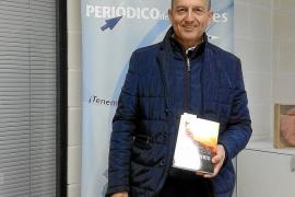 Manuel Vega Alocén escribe la historia de un hombre «extraordinario»