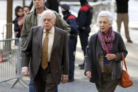 Imputan por un delito de blanqueo de capitales a Jordi Pujol y su mujer