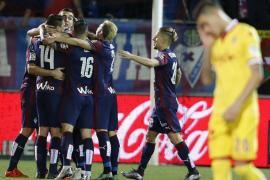 El Eibar recupera el buen camino a costa del Sporting