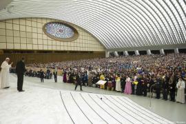 El Papa lamenta que los medios no ofrezcan buenas noticias porque no generan audiencia