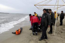 Salvavidas falsos para refugiados desesperados