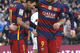 El Barcelona golea al Granada con triplete de Messi