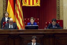 Puigdemont dice que aplicará la declaración independentista de JxSí y la CUP
