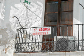 Los afectados por los alquileres estudian la forma legal de sacar pisos vacíos al mercado de alquiler