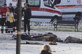 Al menos diez muertos en un atentado suicida en una zona turística de Estambul
