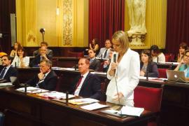 El PP pide a Armengol que comparezca  ante el Parlament por «su último decretazo»
