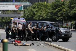 Al menos seis muertos tras varias explosiones en el centro de Yakarta