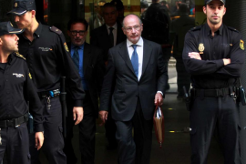 Anticorrupción solicita 4 años de cárcel para Rato y 6 para Blesa por las tarjetas 'black'