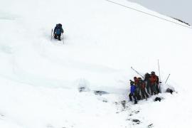 Detenido por homicidio involuntario el monitor del grupo alcanzado por el alud en los Alpes