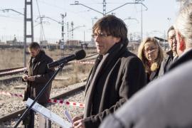 Puigdemont: «Ponemos trenes en la vía no para chocar, sino para llegar lejos»