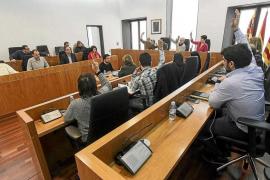 Vila aprueba su presupuesto entre críticas y dudas de la oposición sobre la legalidad