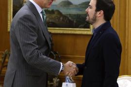Garzón le plantea al Rey afrontar estos tiempos revueltos con una Constitución federal