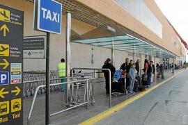 Un chófer se enfrenta a 4 años y medio de cárcel por agredir a unos turistas
