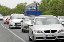 El president Vicent Torres defiende que la reforma de la carretera de Santa Eulària no se retrasará