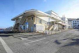 Comienza la reforma del puerto de Vila con el vallado del edificio de es Martell