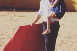 Varios toreros apoyan a Fran Rivera y publican fotos toreando con sus hijos