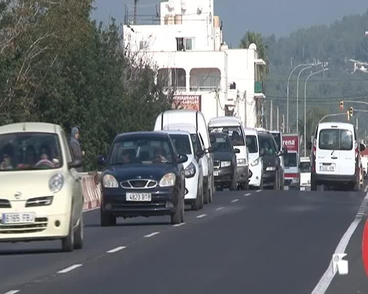 VÍDEO: Torres reconoce que las consultas no implicarán ningún cambio en la carretera de Santa Eulària