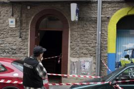 Fallece la niña de 17 meses que fue arrojada por la ventana en Vitoria