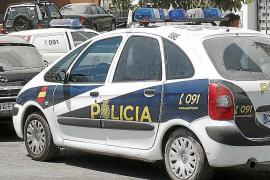 La Policía Nacional detiene a un ladrón en pleno asalto a un local de Eivissa
