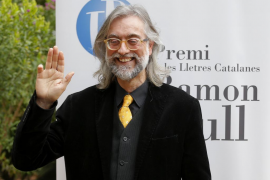 El periodista Víctor Amela gana el Ramon Llull con «La filla del capità Groc»