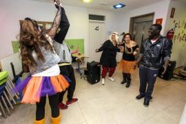 La música de los 80 invade el Espai Jove de Sant Antoni