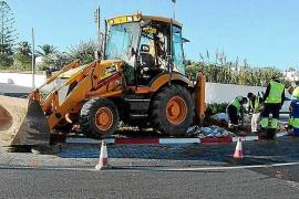 Una avería deja sin agua durante varias horas a unos 2.000 usuarios de las zonas de Cala de Bou y Port des Torrent