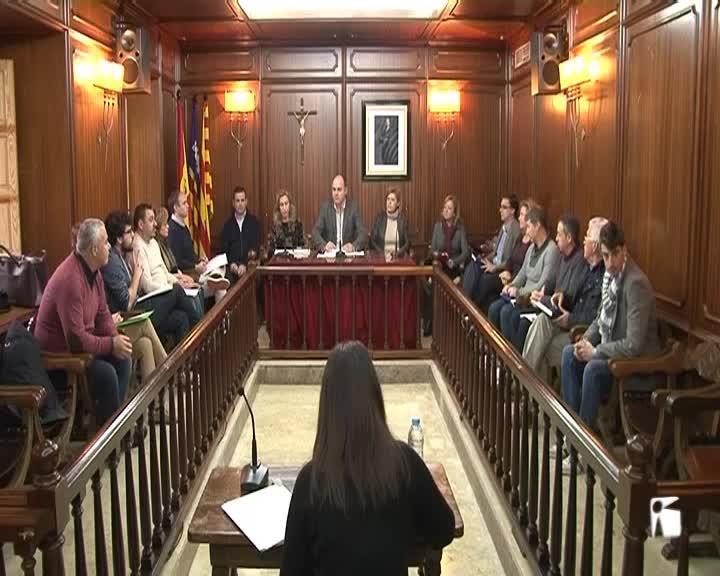 VÍDEO: El PSOE desautoriza a un concejal que da por vinculante la consulta