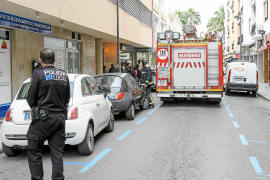 El incendio en un cuadro eléctrico de una vivienda de la calle Aragón sobresalta a los vecinos