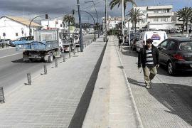 Satisfacción entre los comerciantes por la retirada de las vallas del puerto