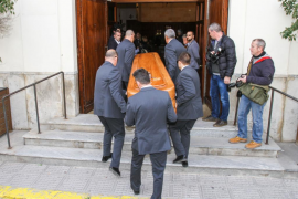 Multitudinario adiós a Nieves Prats