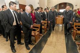 Emotiva y multitudinaria despedida a Nieves Prats en la iglesia de Sant Elm
