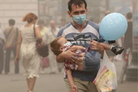 El fuego y el humo colapsan Moscú