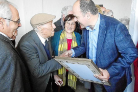 Santa Eulària homenajea a su hombre centenario
