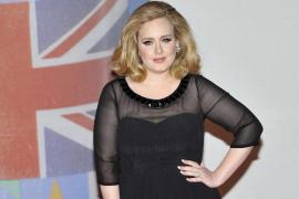 La cantante Adele es nombrada Artista del Año 2015
