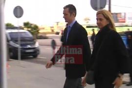 La Infanta Cristina e Iñaki Urdangarin llegan a la EBAP