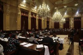 El Parlament aprueba por unanimidad avanzar en la mejora de la financiación