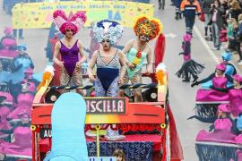 VÍDEO: El Carnaval desafía al mal tiempo