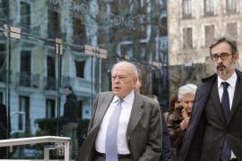 Jordi Pujol y su mujer abandonan el tribunal sin medidas cautelares