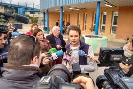 Excarcelan a Van Der Dussen tras anularse una de sus condenas por violación tras 12 años en prisión