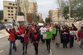 Medio millar de personas se manifiestan en Vila contra la matanza de es Vedrà
