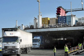 El tráfico de mercancías se dispara en Eivissa