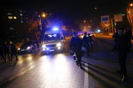 Un atentado contra un convoy militar turco deja al menos 28 muertos en Ankara