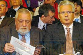 Garzón, insultado a la salida del juicio contra el ex dictador Videla