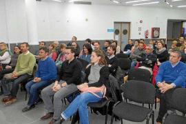 Los vecinos exigen a la APB que reconsidere la nueva ubicación del tráfico con Formentera