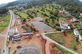 VÍDEO: El Consell culpa a Sant Joan de la ubicación de la planta asfáltica criticada por los vecinos