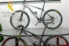 La Guardia Civil detiene a los ladrones de dos bicicletas valoradas en 13.000€