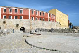 La restauración del «maltratado» baluarte de Sant Jordi terminará en diciembre