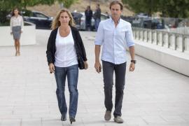 Expulsan a Arantxa Sánchez Vicario del tanatorio tras la muerte de su padre