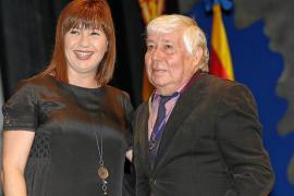 Los pitiusos Jaume Ferrer y 'Xicu des Capri' recogen el Ramon Llull en Palma